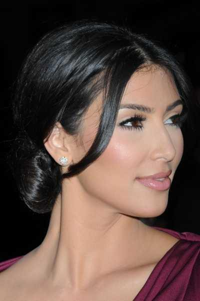 Seek low bun hairstyles are easy to do and great to wear to virtually any